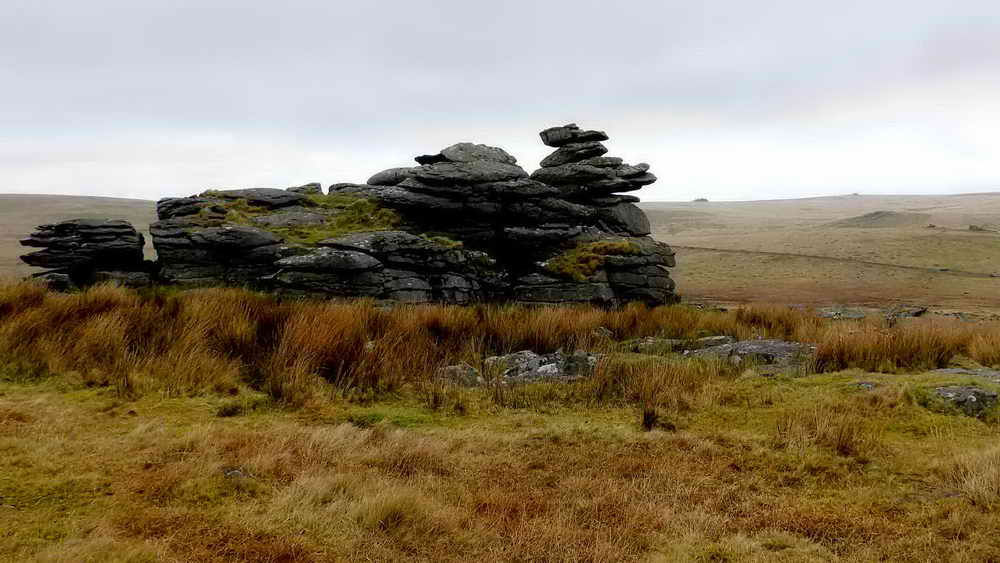 Leeden Tor, with Hart Tor in the distance.
