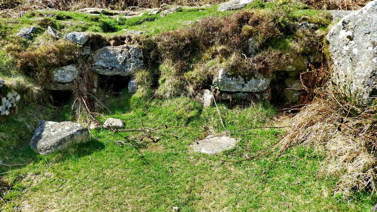 Corn-drying kiln/ovens in Building 9, deserted village
