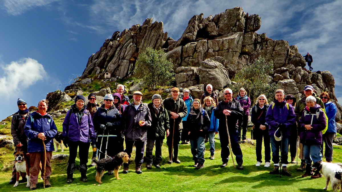 DPA Short Walks group at Greator Rocks