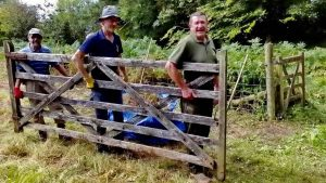 ..... and I'm telling you that Gloatwood Industries can fix this gate!