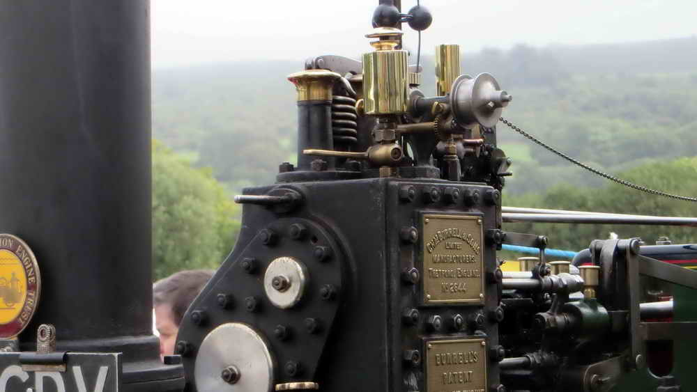 Traction engine detail