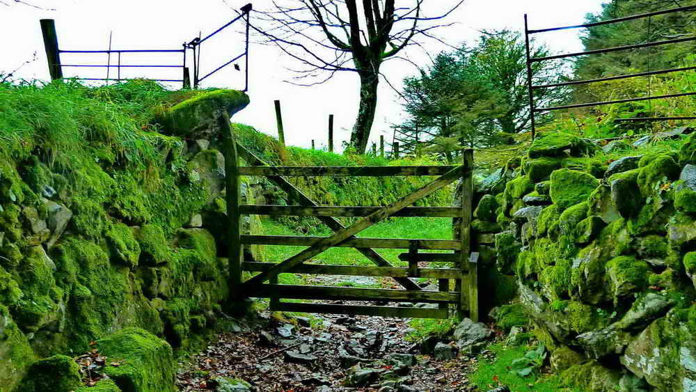 The now-defunct Coxtor wood-and-stone moor gate