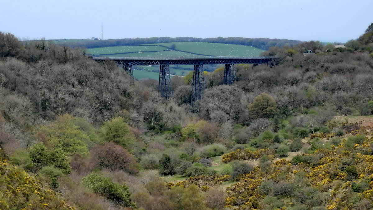 Another view of the viaduct