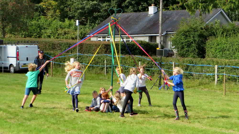 Widecombe School Maypole dance