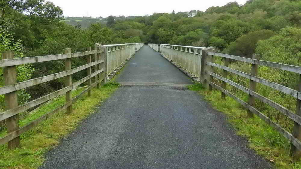 Looking along Gem Bridge (the replaced Walkham Viaduct at Grenofen)