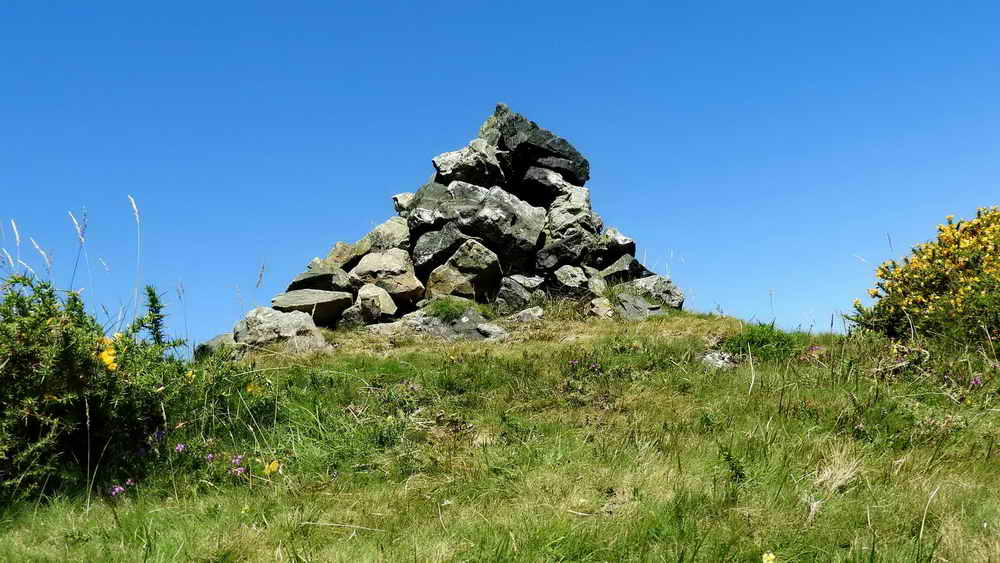 """""""Pile of Stones"""" - Aish Tor?"""