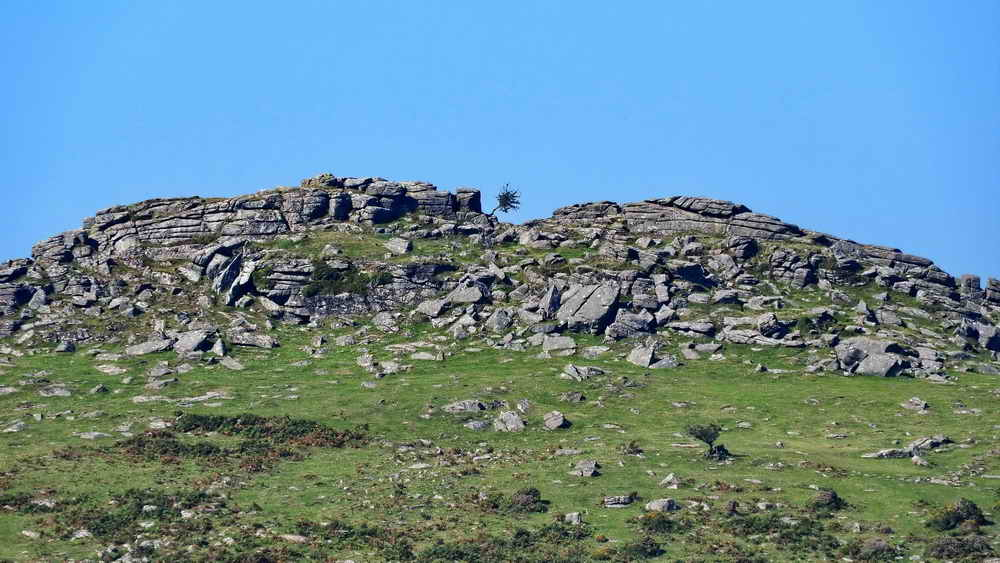 Highly-zoomed view of Sharp Tor